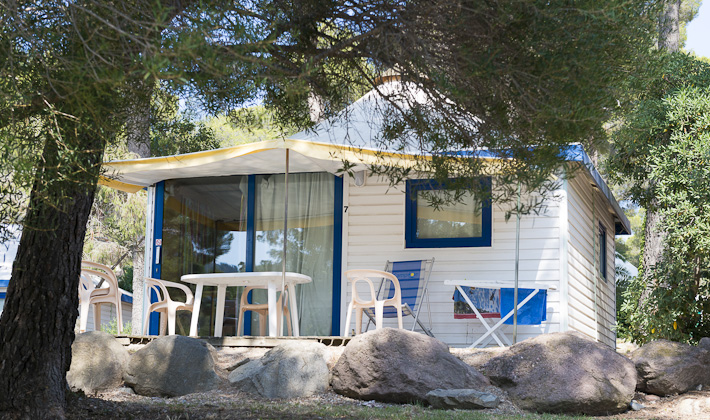 vacances passion vacances var camping le dramont. Black Bedroom Furniture Sets. Home Design Ideas